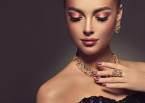 Cash against jewellery